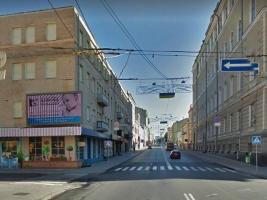 В Харькове задержали мужчину на угнанном Мерседесе.